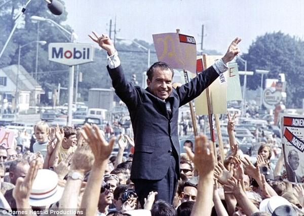 """Ghi nhớ tuyệt mật của Nixon: Ném bom Việt Nam năm 1972 là """"vô tích sự"""" ảnh 1"""