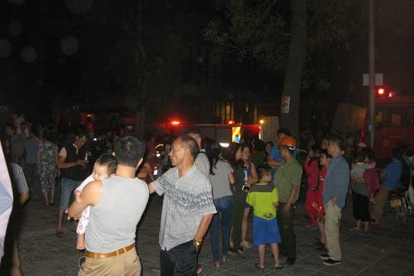 Hà Nội: Dân chung cư Linh Đàm lại náo loạn vì cháy ảnh 5