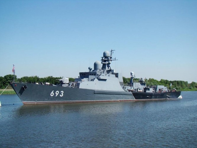 Clip trên tàu chiến lớp Gepard phóng tên lửa Klub diệt IS ở Syria ảnh 4