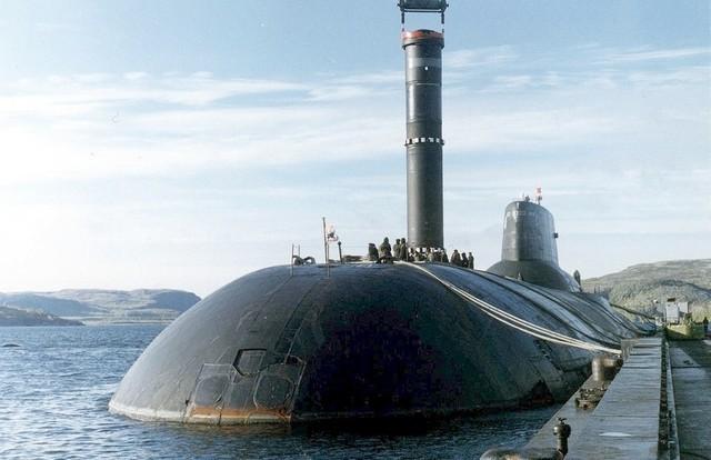 Quá trình đóng tàu ngầm lớn nhất thế giới ảnh 8
