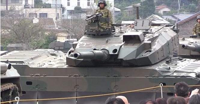 Tăng Type 10 của Nhật quay vòng không đổ ly rượu trên nòng pháo ảnh 2