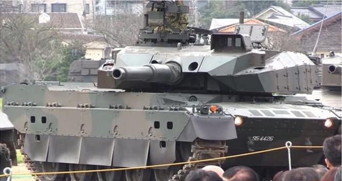 Tăng Type 10 của Nhật quay vòng không đổ ly rượu trên nòng pháo ảnh 3