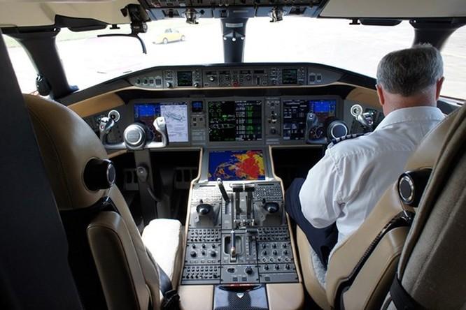 Soi máy bay cá nhân trị giá hơn 1100 tỷ tại Hà Nội ảnh 2