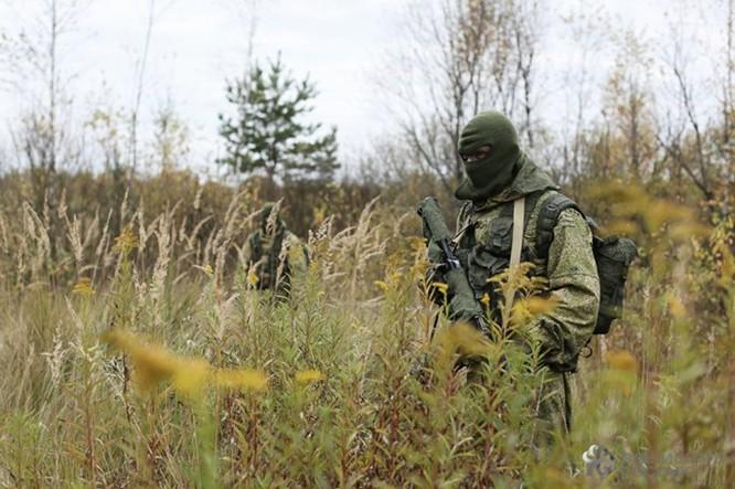 """Xem lính dù đặc nhiệm Nga tiêu diệt """"phiến quân""""! ảnh 9"""