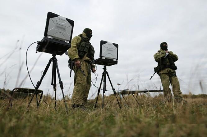 """Xem lính dù đặc nhiệm Nga tiêu diệt """"phiến quân""""! ảnh 3"""