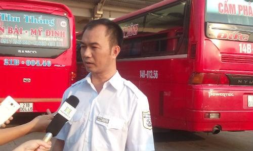 Phó giám đốc bến Mỹ Đình Nguyễn Mạnh Tuấn cho hay nhiều năm nay không có lốt xe được cấp mới. Ảnh: Võ Hải.