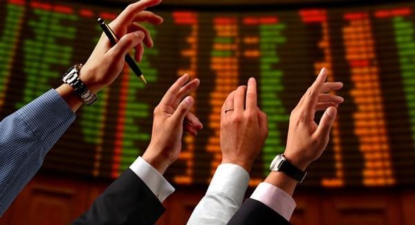 """Đại gia ngân hàng """"buốt đầu"""" vì cổ phiếu rẻ hơn trà đá ảnh 2"""