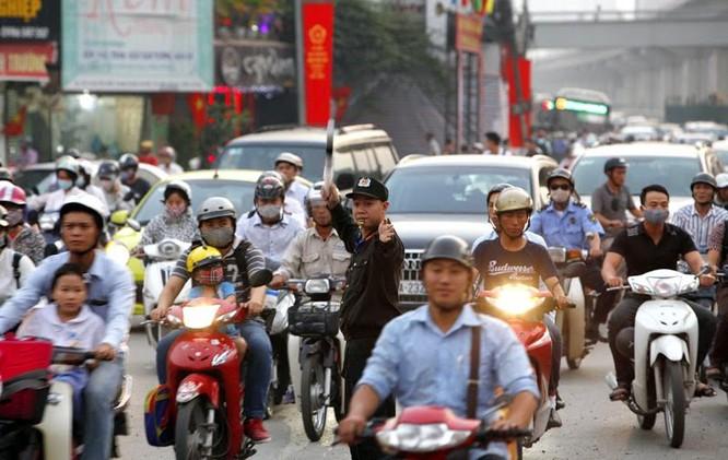 Cảnh sát cơ động xuống đường: Hết cảnh bò đến cơ quan ảnh 2
