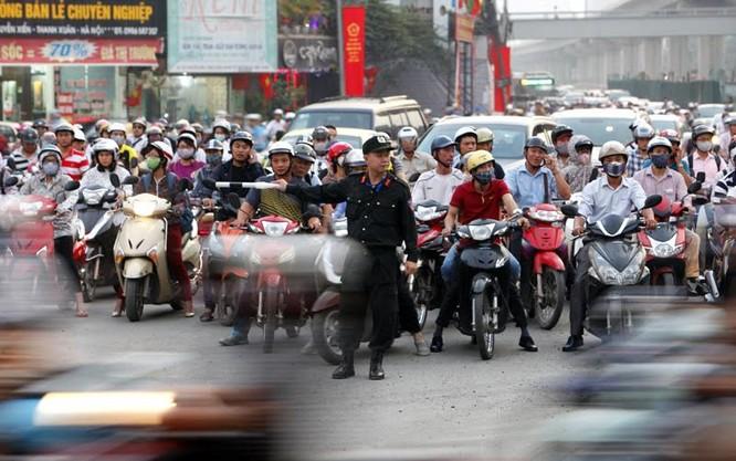 Cảnh sát cơ động xuống đường: Hết cảnh bò đến cơ quan ảnh 4