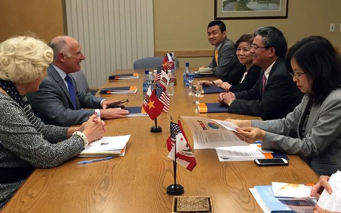 Ngày bận rộn lo bang giao của Đại sứ VN ở Cali ảnh 1
