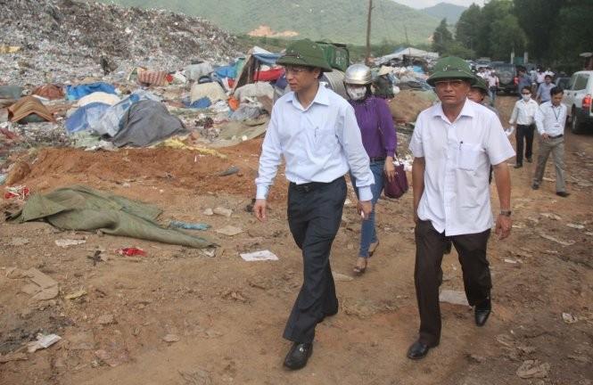 Vừa nhậm chức, tân Bí thư Đà Nẵng đến kiểm tra bãi rác Khánh Sơn ảnh 1