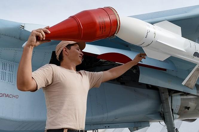 Tập đoàn tên lửa Nga tăng sản xuất 3 ca/ngày cho nhu cầu ở Syria ảnh 2