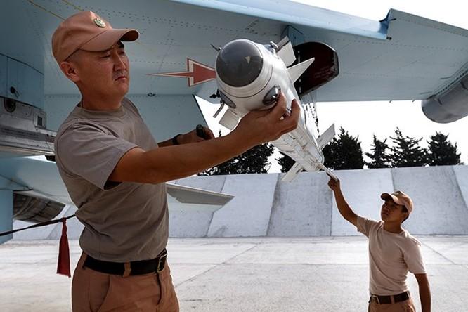 Tập đoàn tên lửa Nga tăng sản xuất 3 ca/ngày cho nhu cầu ở Syria ảnh 3