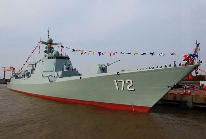 """Trung Quốc đã chuẩn bị sẵn cả biên đội tàu chiến """"kèm"""" tàu chiến Mỹ ở Đá Xu Bi ảnh 1"""