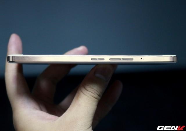 Cận cảnh OnePlus X vàng hồng đẹp như tranh vẽ đầu tiên trên thế giới ảnh 7