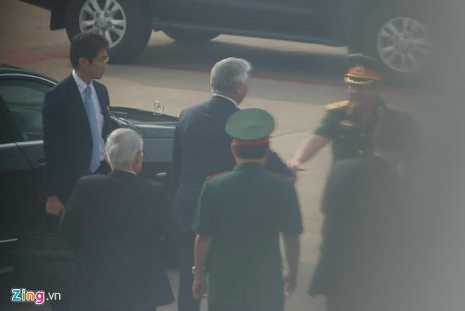 Bộ trưởng Quốc phòng Nhật Bản thăm quân cảng Cam Ranh ảnh 1