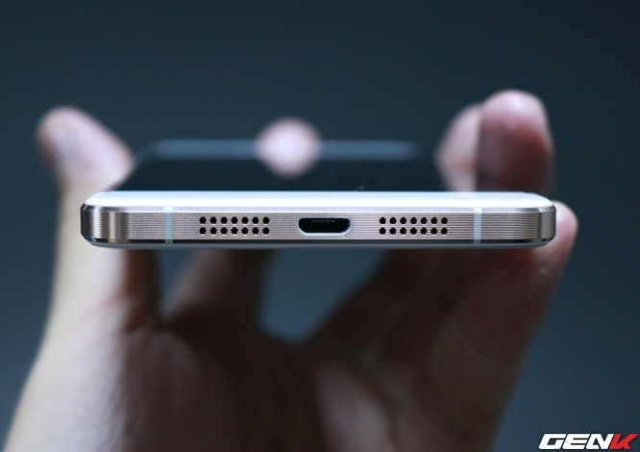 Cận cảnh OnePlus X vàng hồng đẹp như tranh vẽ đầu tiên trên thế giới ảnh 2