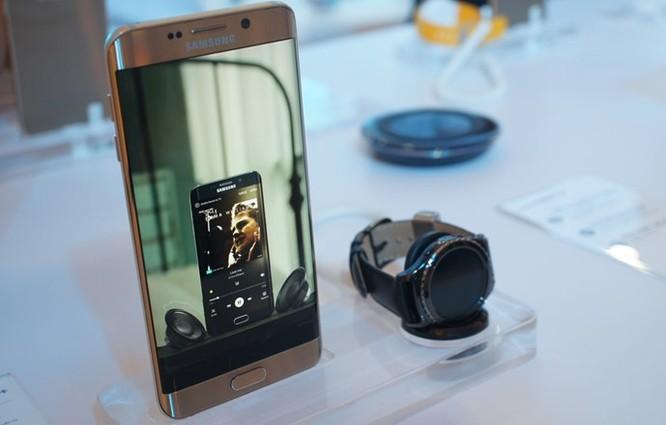 Samsung ra mắt đồng hồ thông minh Gear S2 giá 6,49 triệu đồng ảnh 1