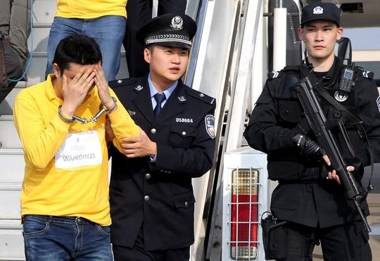 Indonesia và Campuchia trục xuất 254 người Trung Quốc ảnh 1