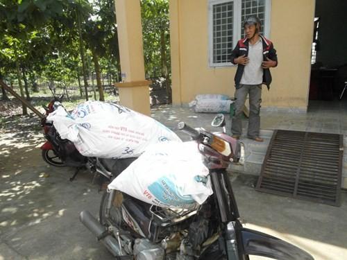 Bắt vụ vận chuyển 72 kg đỉa sấy khô từ Campuchia vào Việt Nam ảnh 1