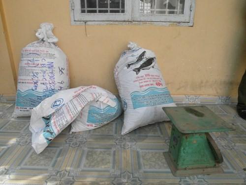 Bắt vụ vận chuyển 72 kg đỉa sấy khô từ Campuchia vào Việt Nam ảnh 2
