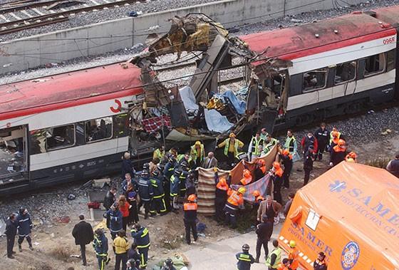 Vụ khủng bố ở Tây Ban Nha, ngày 11/3/2004 (Paul White / AP)