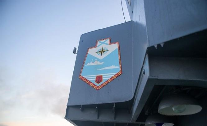 Chùm ảnh tàu ngầm hạt nhân Nga phóng tên lửa Bulava ảnh 1