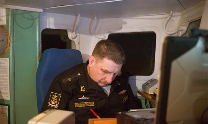 Chùm ảnh tàu ngầm hạt nhân Nga phóng tên lửa Bulava ảnh 6