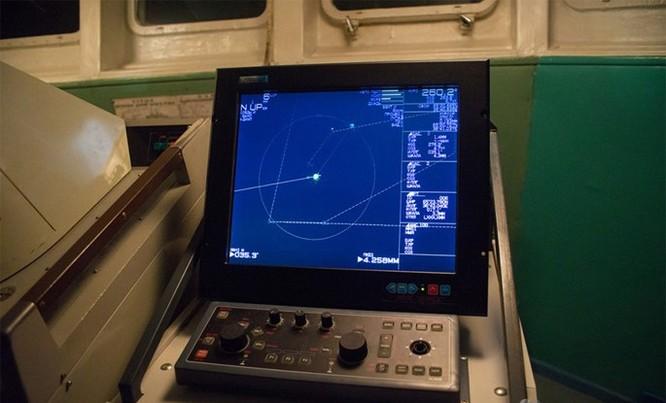 Chùm ảnh tàu ngầm hạt nhân Nga phóng tên lửa Bulava ảnh 7