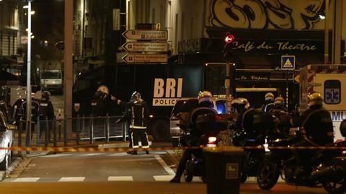 Đấu súng dữ dội ở ngoại ô Paris, tiêu diệt 3 nghi phạm khủng bố ảnh 8