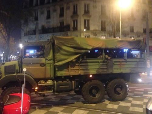 Đấu súng dữ dội ở ngoại ô Paris, tiêu diệt 3 nghi phạm khủng bố ảnh 6