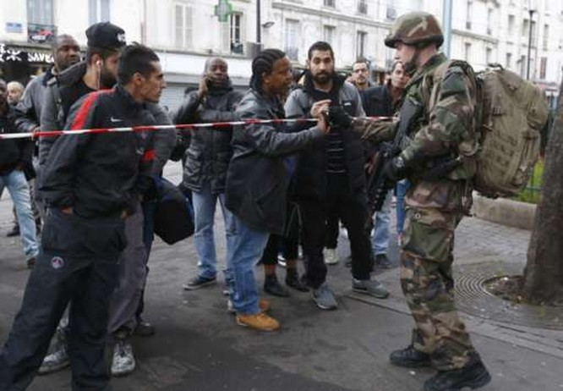 Vây bắt kẻ chủ mưu khủng bố Paris, tiêu diệt 3 tên khủng bố ảnh 4
