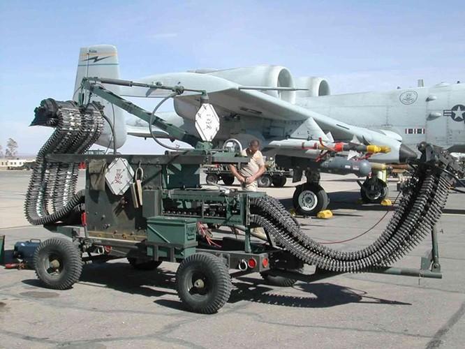 Uy lực khẩu pháo 7 nòng trên máy bay A-10 Thunderbolt ảnh 5