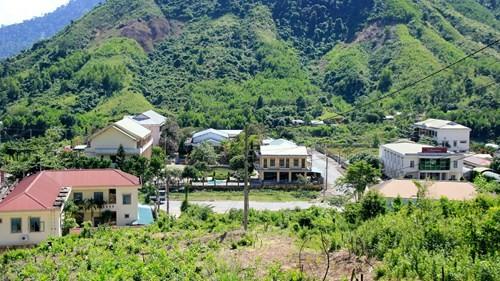 Chủ tịch Quảng Nam trần tình huyện nghèo đòi xây trung tâm hành chính 100 tỉ ảnh 2