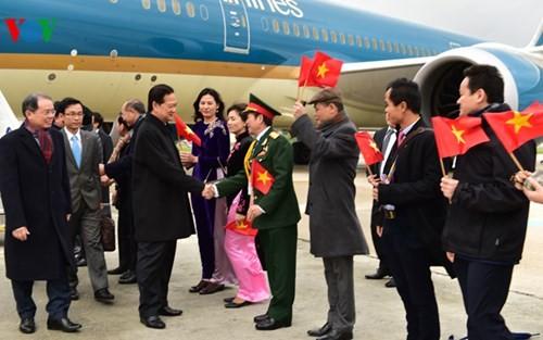 Hình ảnh Thủ tướng Nguyễn Tấn Dũng tới Paris ảnh 3