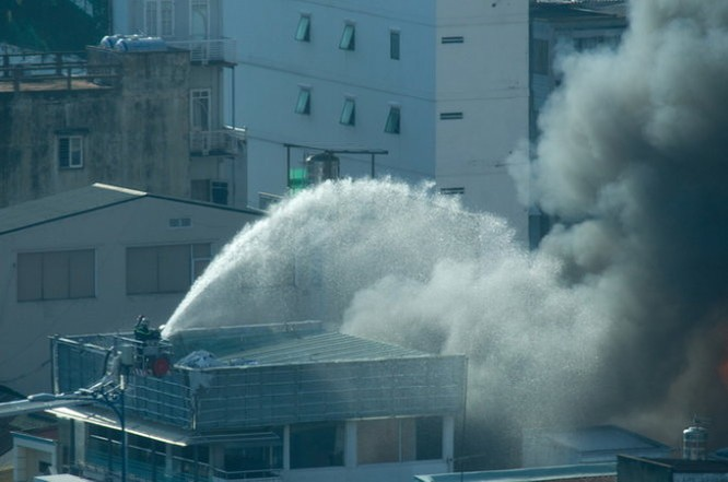 Cháy nhiều nhà ở trung tâm Sài Gòn ảnh 5