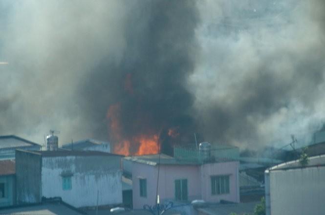 Cháy nhiều nhà ở trung tâm Sài Gòn ảnh 6