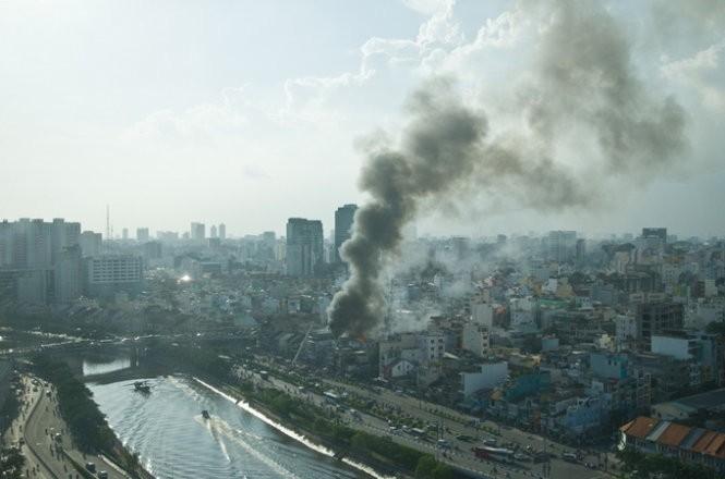 Cháy nhiều nhà ở trung tâm Sài Gòn ảnh 8