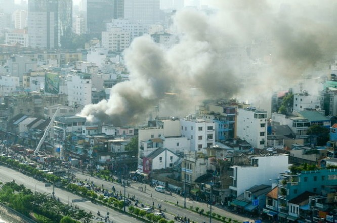 Cháy nhiều nhà ở trung tâm Sài Gòn ảnh 9