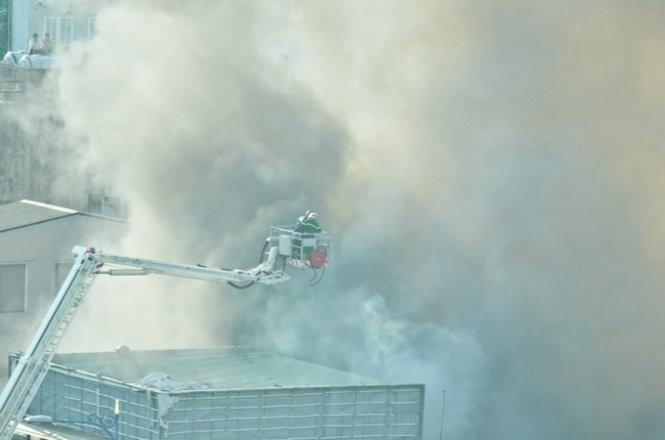 Cháy nhiều nhà ở trung tâm Sài Gòn ảnh 10