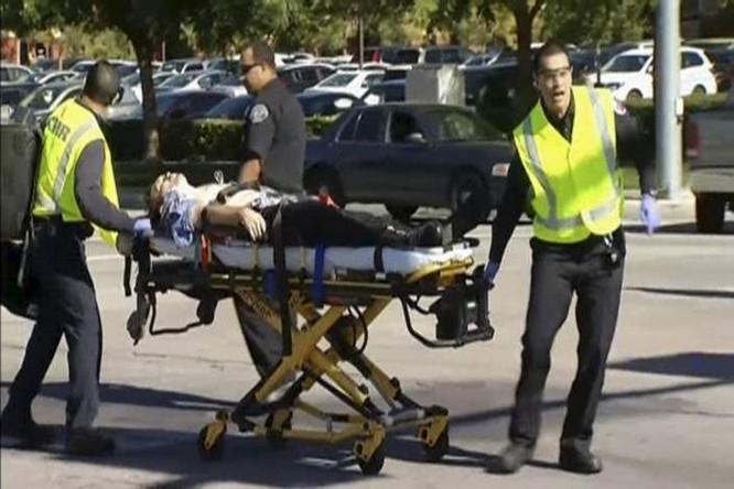 Tiêu diệt nhóm xả súng ở Mỹ làm hơn 20 người thương vong ảnh 8