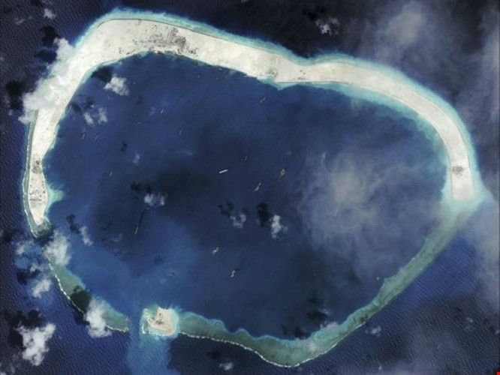 Trung Quốc xây thêm đường băng ở Biển Đông, gấp 4 lần hiện tại ảnh 2