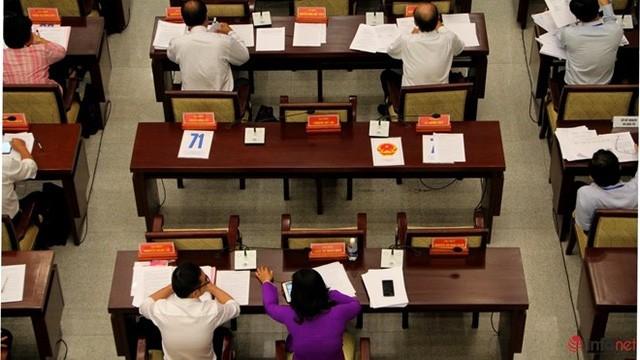 """1/3 """"ghế trống"""" khi đại biểu HĐND TP.HCM biểu quyết các tờ trình ảnh 6"""