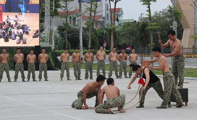 Mục kích đặc công Việt Nam diễn tập chống khủng bố ảnh 16