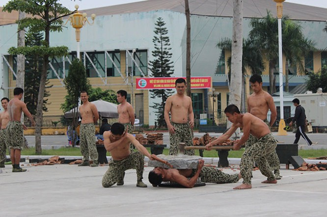 Mục kích đặc công Việt Nam diễn tập chống khủng bố ảnh 15