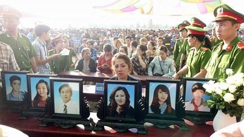 Xét xử vụ thảm sát ở Bình Phước: Dương và Tiến bật khóc khi bị đề nghị án tử hình ảnh 38