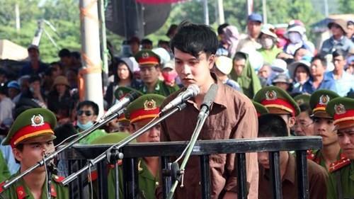 Xét xử vụ thảm sát ở Bình Phước: Dương và Tiến bật khóc khi bị đề nghị án tử hình ảnh 6