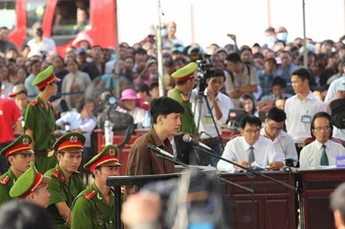 Xét xử vụ thảm sát ở Bình Phước: Dương và Tiến bật khóc khi bị đề nghị án tử hình ảnh 20