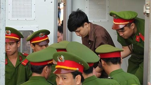 Xét xử vụ thảm sát ở Bình Phước: Dương và Tiến bật khóc khi bị đề nghị án tử hình ảnh 34