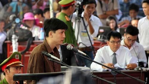 Xét xử vụ thảm sát ở Bình Phước: Dương và Tiến bật khóc khi bị đề nghị án tử hình ảnh 26